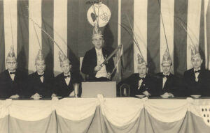 """1947: Der """"Kleine Rat"""" im Agnes-Saal"""